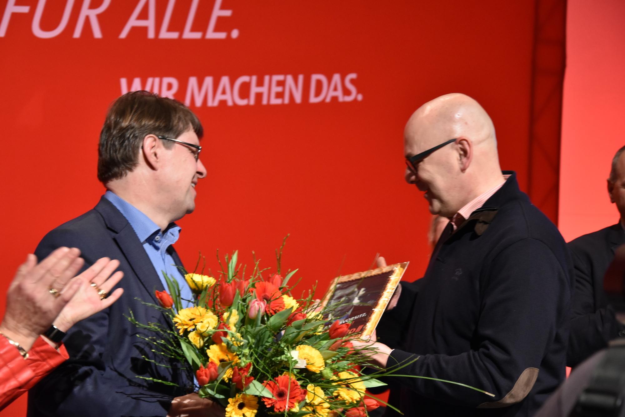 Torsten Albig gratuliert Ralf Stegner