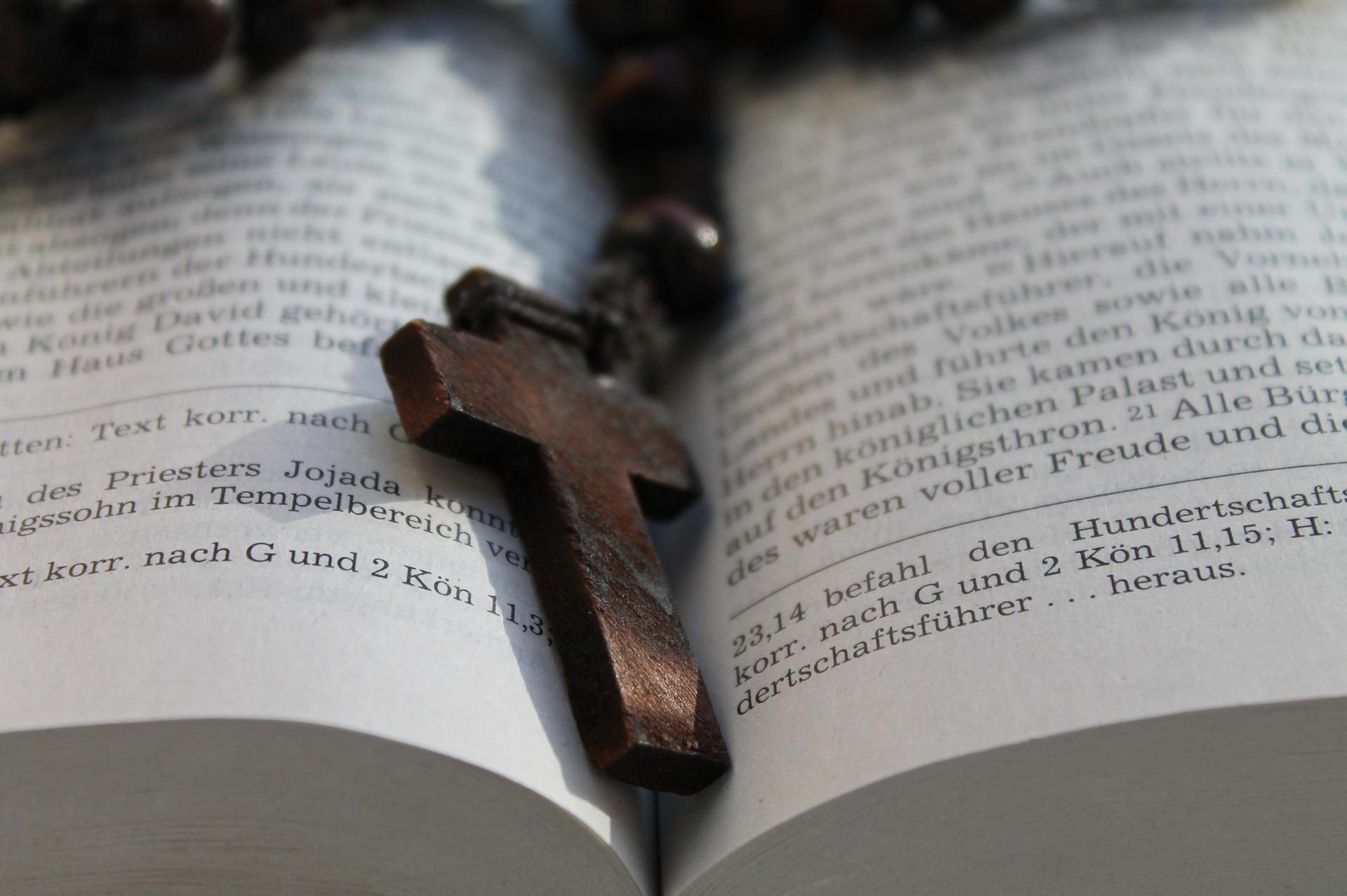 Kreuz in Bibel