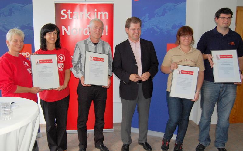 """Preisträger 2011: Projekt """"Blick über den Zaun"""""""