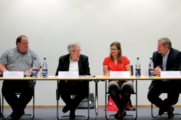 Diskussion mit Thorsten Muschinski, Ernst Dieter Rossmann MdB, Dana Gora, Kai Vogel MdB (v.l.n.r.)