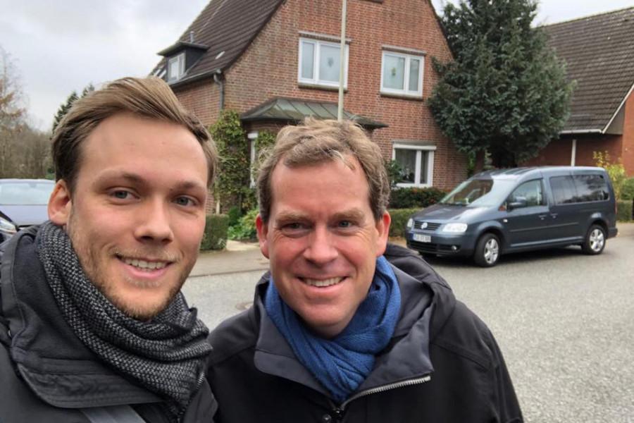 Selfie: Ratsherr Philip Schüller und Kiels Oberbürgermeister Ulf Kämpfer