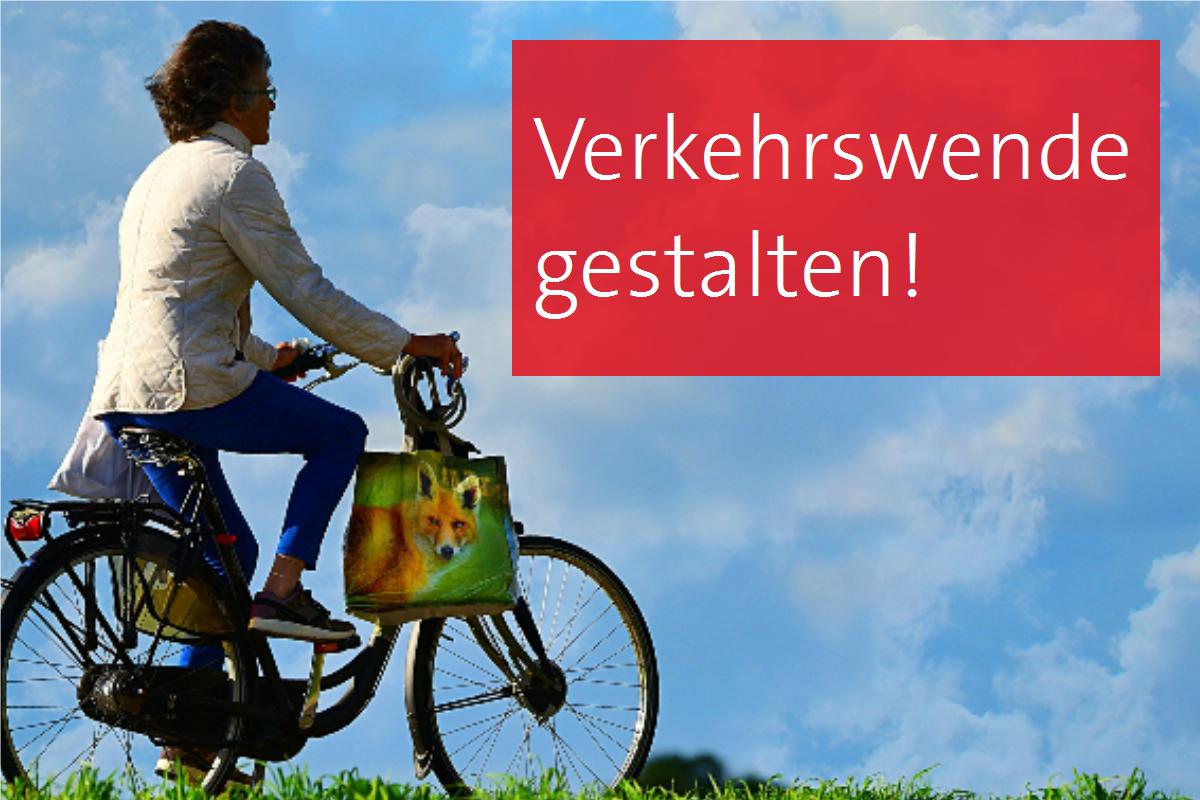 Frau fährt auf einem Fahrrad