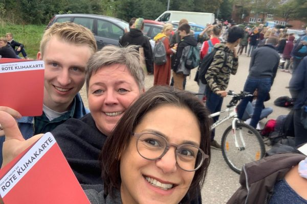 Birte Pauls und Serpil Midyatli in Husum bei Fridays for Future