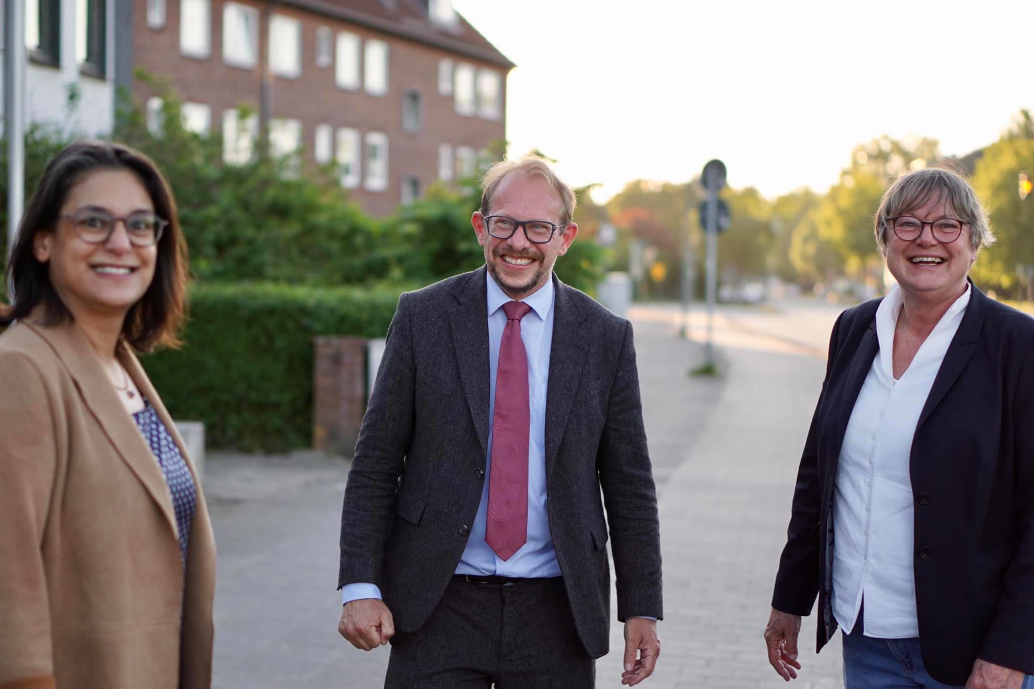 Tobias Bergmann gemeinsam mit Serpil Midyatli und Kirsten Eickhoff-Weber.